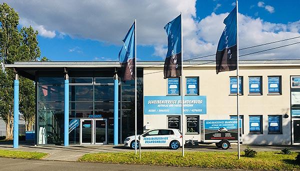 Scheibenservice Brandenburg<br>Autoglas und Fahrzeugdesign